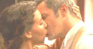 Emilia e Alfonso bacio Il segreto