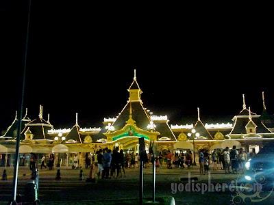 Enchanted Kingdom Victorian Entrance at night