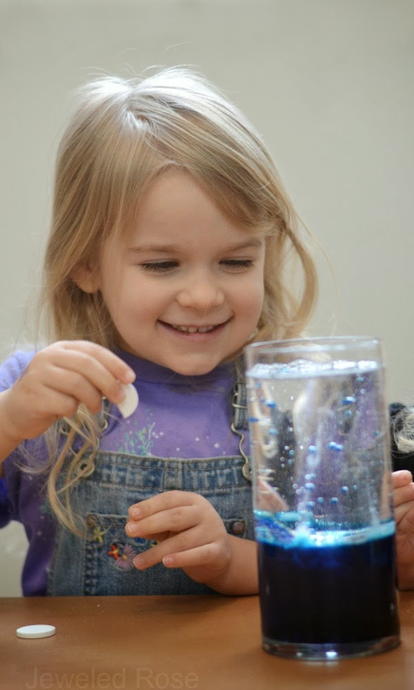 Make a lava lamp & WOW the kids- super simple FUN!