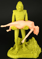 Review & construction: The creature from the Black Lagoon (and his lady friend) in 1/8th scale from