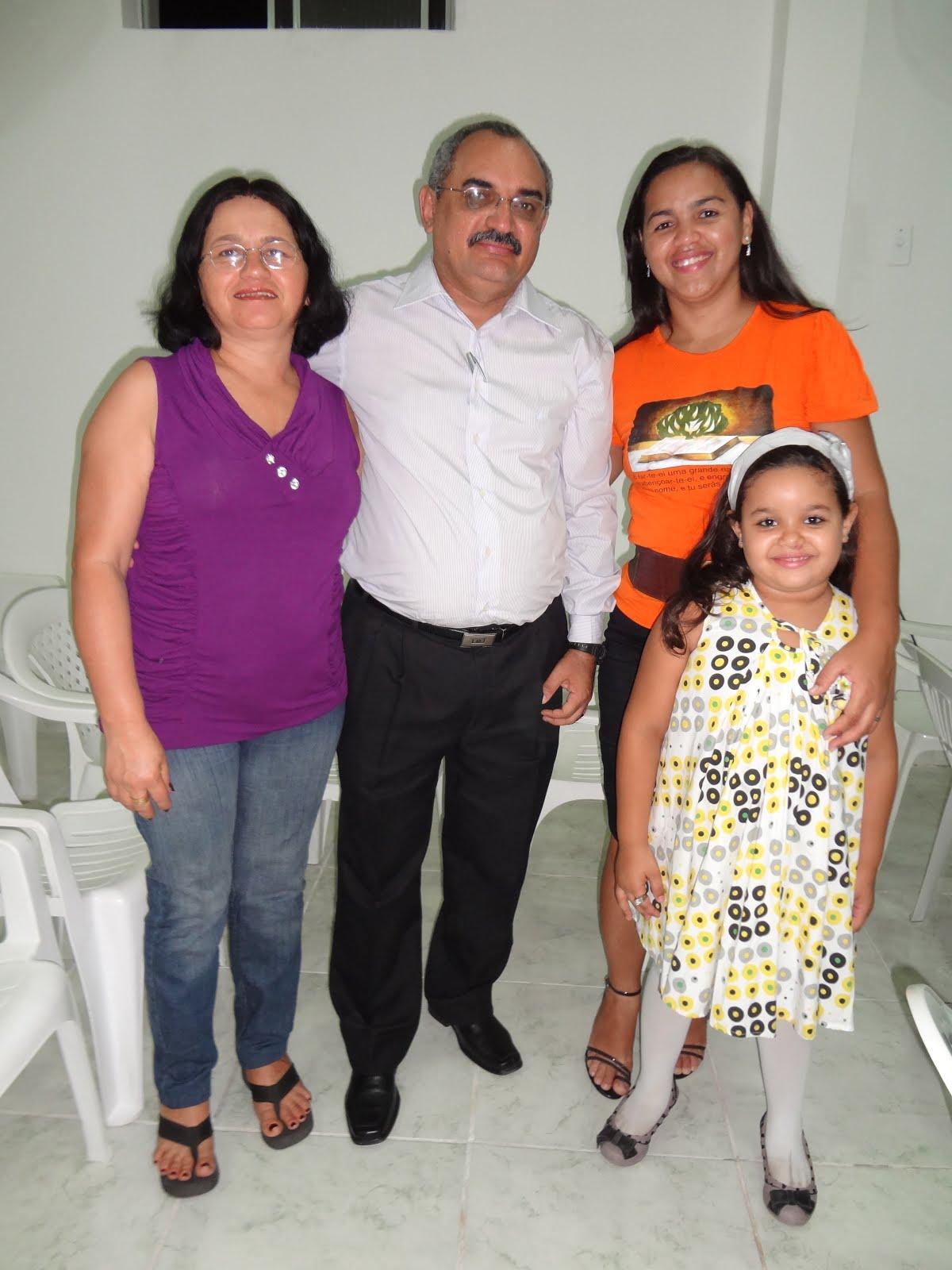 Eu e Jânia com a irmã Aline e sua pequena filha.