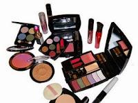 Peralatan Kosmetik yang Dibutuhkan Wanita