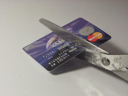 Gak Perlu Kartu Kredit untuk bisa nutup hutang kartu kredit