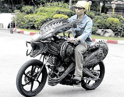 Motosikal Reka Bentuk Naga Dicipta Di Thailand