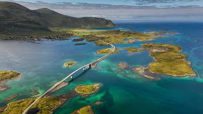 Bridge to the village of Fredvang on Moskenes Island in the Lofoten Islands, Norway (© Daniel Korzhonov/500px) 459