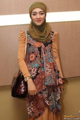 hijab cantik nuri maulida 5 Hijab Cantik Ala Nuri Maulida