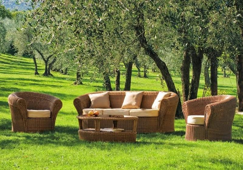 Inspiration shabby salotto da giardino in stile provenzale for Arredamento provenzale on line