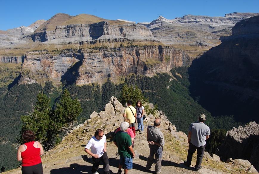 Cuarzo feldespato y mica pirineos dia 2 de 4 sierra for Mirador del pirineo