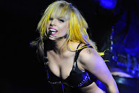 http://4.bp.blogspot.com/-ZxC8kXWp64I/TbYRmctVwfI/AAAAAAAAAoo/yhpsD-YQXoI/s640/Lady-Gaga-Monster-Ball.jpg