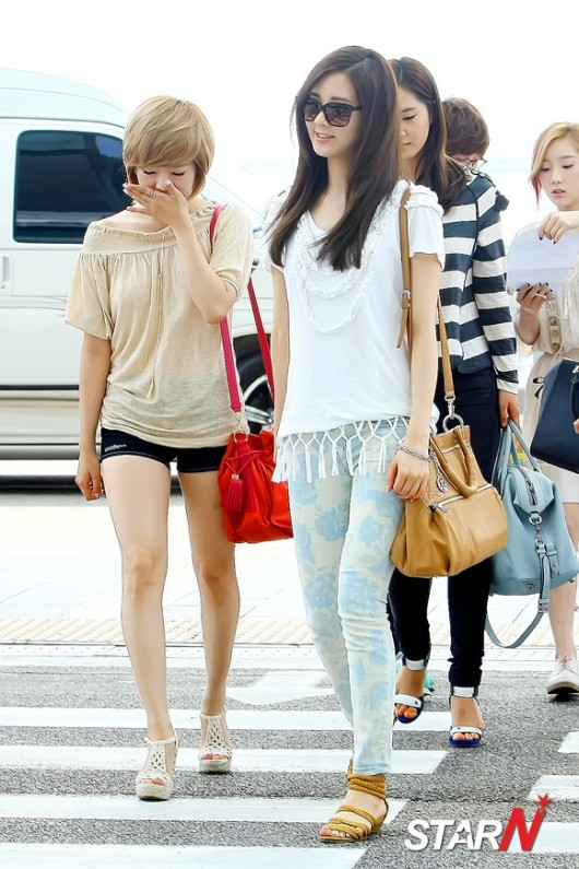 Crowned One: Girls Generation Seohyun Airport Fashion