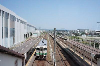 江差線木古内駅に停車中のキハ40