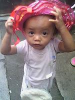 memuji anak, cantik, anak pakai topi
