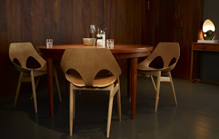 Elegant-Home-Interior-and-Decorating-Ideas-wooden-dining-table-with-dark-brown