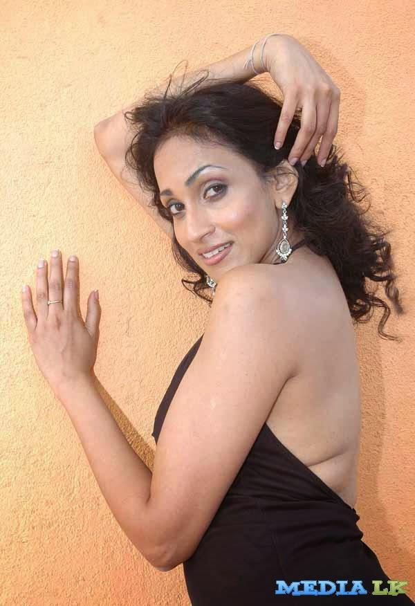 actress deepa adult