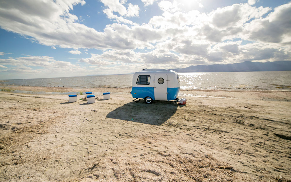 modellneuheiten happy camper hc1 der wohnwagen den. Black Bedroom Furniture Sets. Home Design Ideas