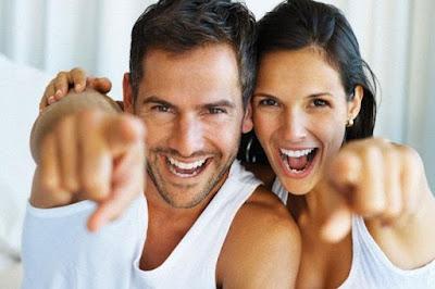 صفات غير متوقعة يعشقها الرجل في المرأة,رجل امرأة سعداء زواج ناجح,happy man woman couple
