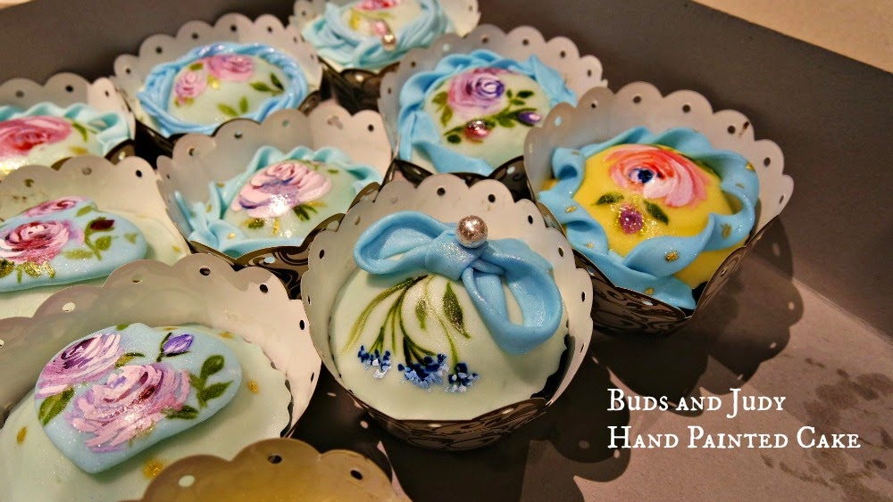 Mucchio di Bella Hand Painted Cakes