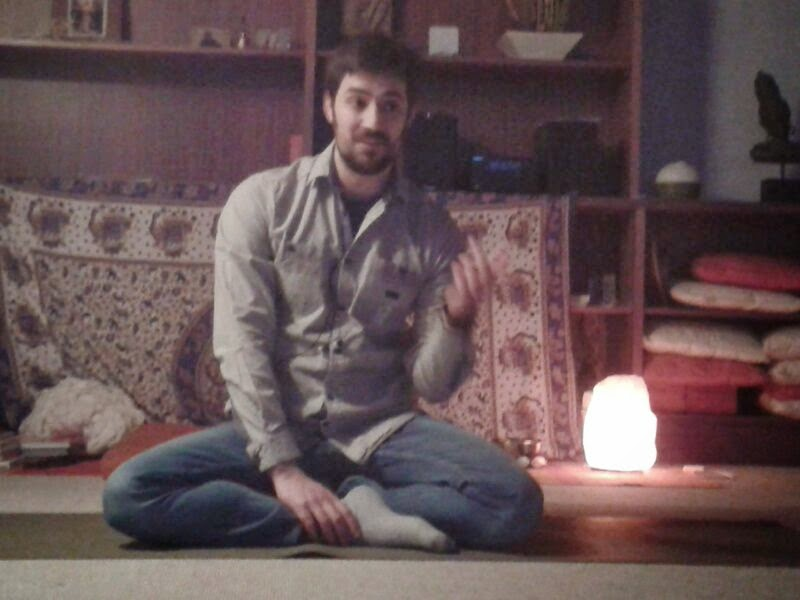 La práctica del yoga: hacia la salud, la felicidad y la espiritualidad