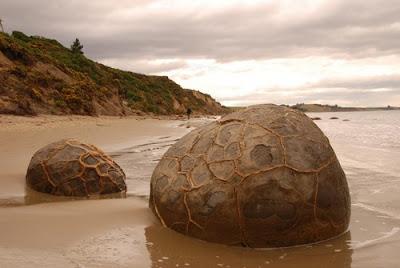 Rocas esféricas en Koekohe Beach - Nueva Zelanda