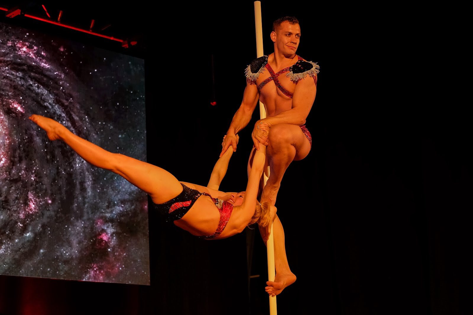 POLE DUO SHOW