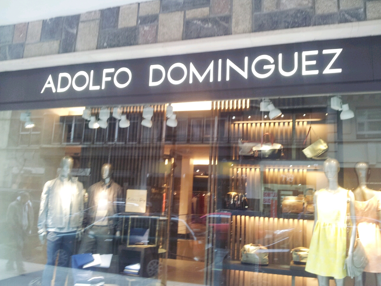 Look chic bilbao ruta de shopping for Adolfo dominguez plaza americas xalapa