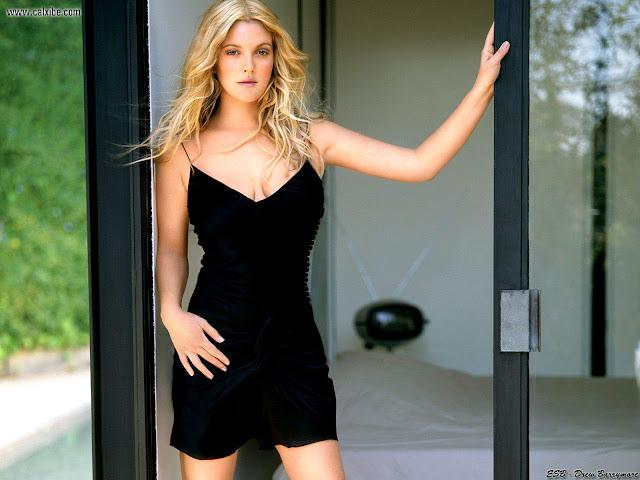 Drew Barrymore sexy in black dress