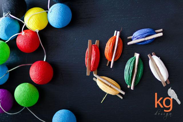 Oryginalnie i nietypowo zawiązane zaproszenia ślubne, kordonek, zaproszenia wiązane kordonkiem, zaproszenia wiązane sznurkiem lniany, kolorowe sznurki, biały, czerwony, pomarańczowy, żółty, zielony, niebieski,