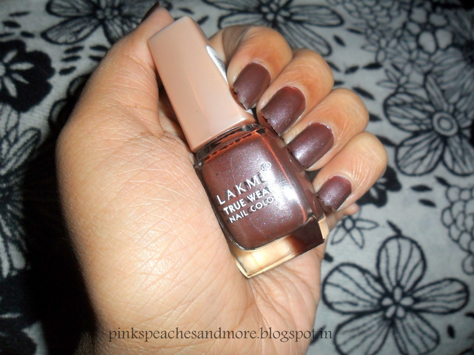 Review Monday: Lakme True Wear Nail Color in Classics-1 Sabyasachi ...