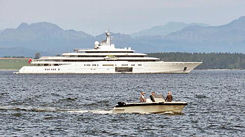 Clydeside Images Com Roman Abramovich S Superyacht Eclipse Arrives