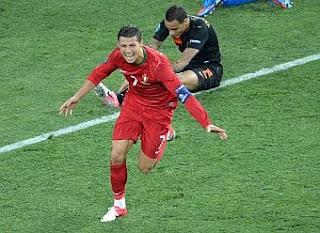 Cristiano metió a Portugal en los cuartos de final