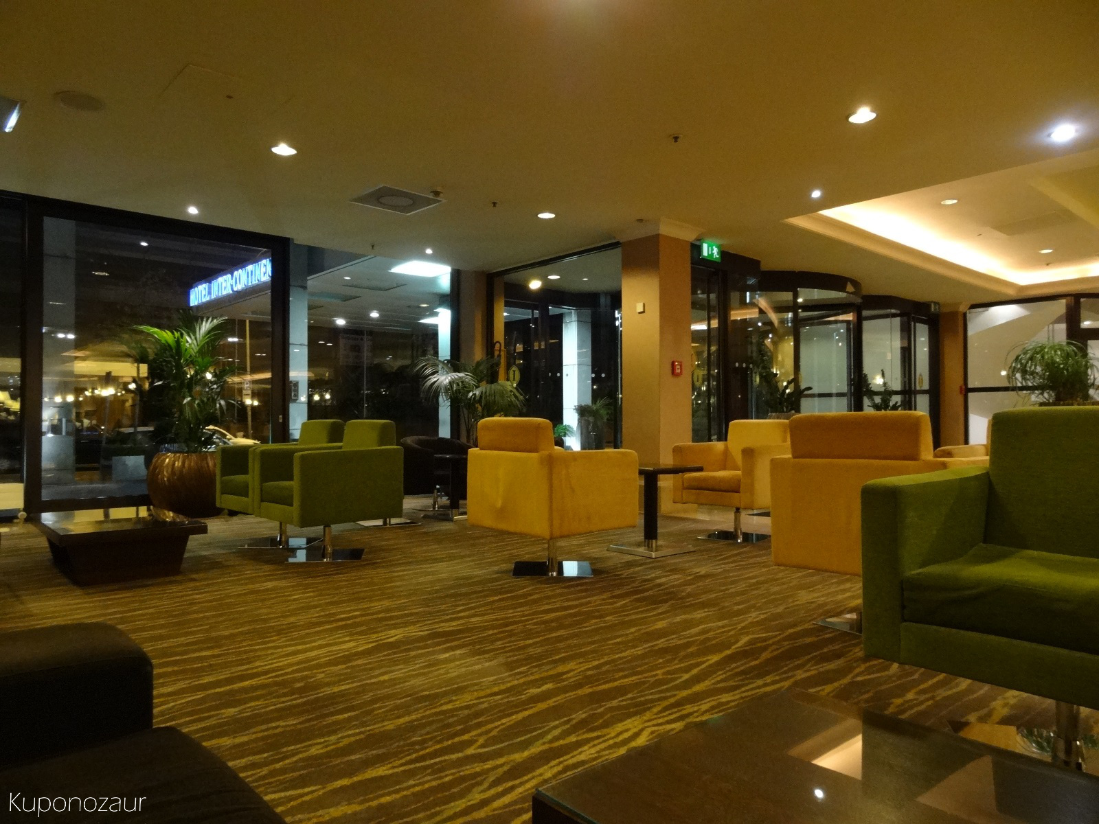 Hotel InterContinental Frankfurt lobby część wypoczynkowa