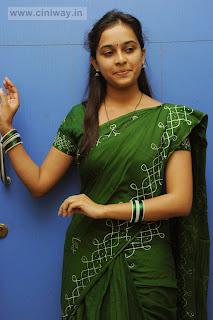 Mallela-Theeram-Lo-Sirimalle-Puvvu-Heroine-Sri-Divya