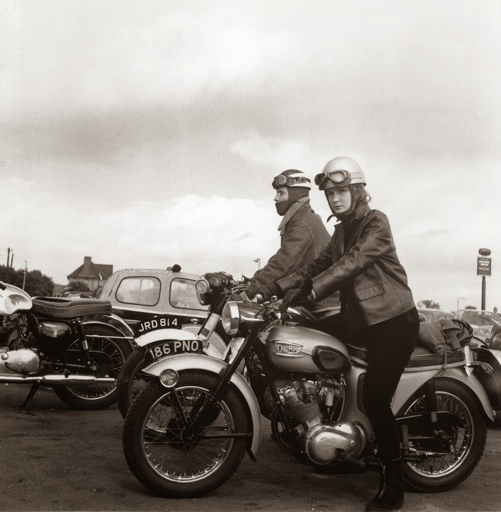 Vintage+Photographs+of+Women+and+Motorcy