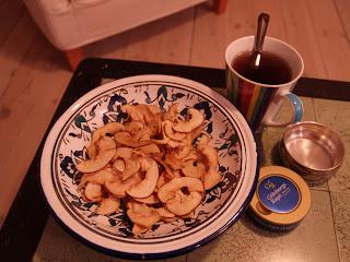 Æblechips og te