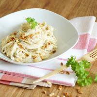 http://flavouredwithlove.com/2015/06/23/spaghetti-mit-ricotta-und-mandeln-spaghetti-with-ricotta-and-almonds/