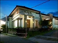 Mr Hendrik House