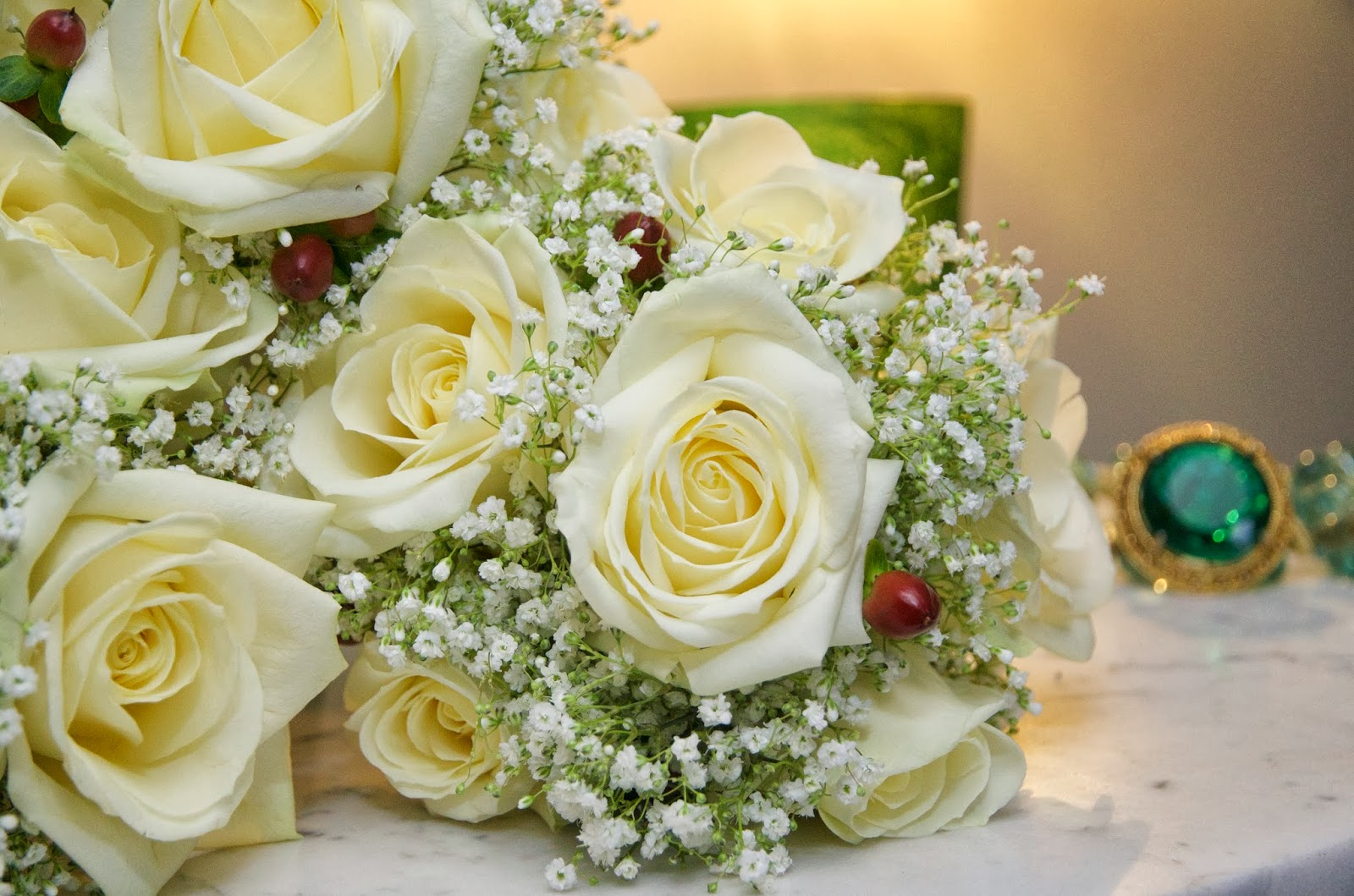 Wedding Flowers In Cheltenham : December wedding flowers christmas weddings eastnor