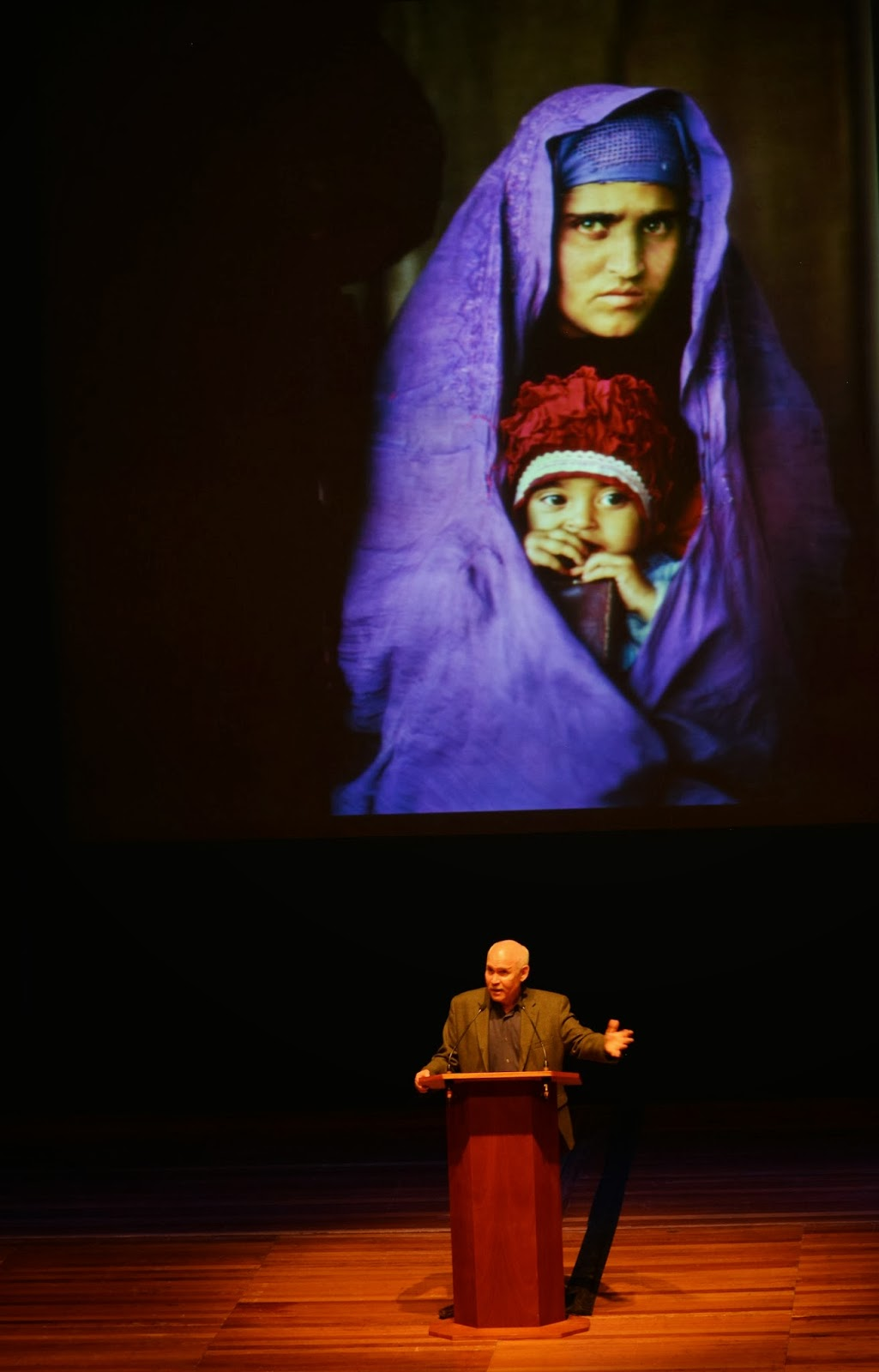 national geographic finding the afghan girl Search for the afghan girl in 1985, the haunting picture of an enigmatic follow the amazing story of how the national geographic team has.
