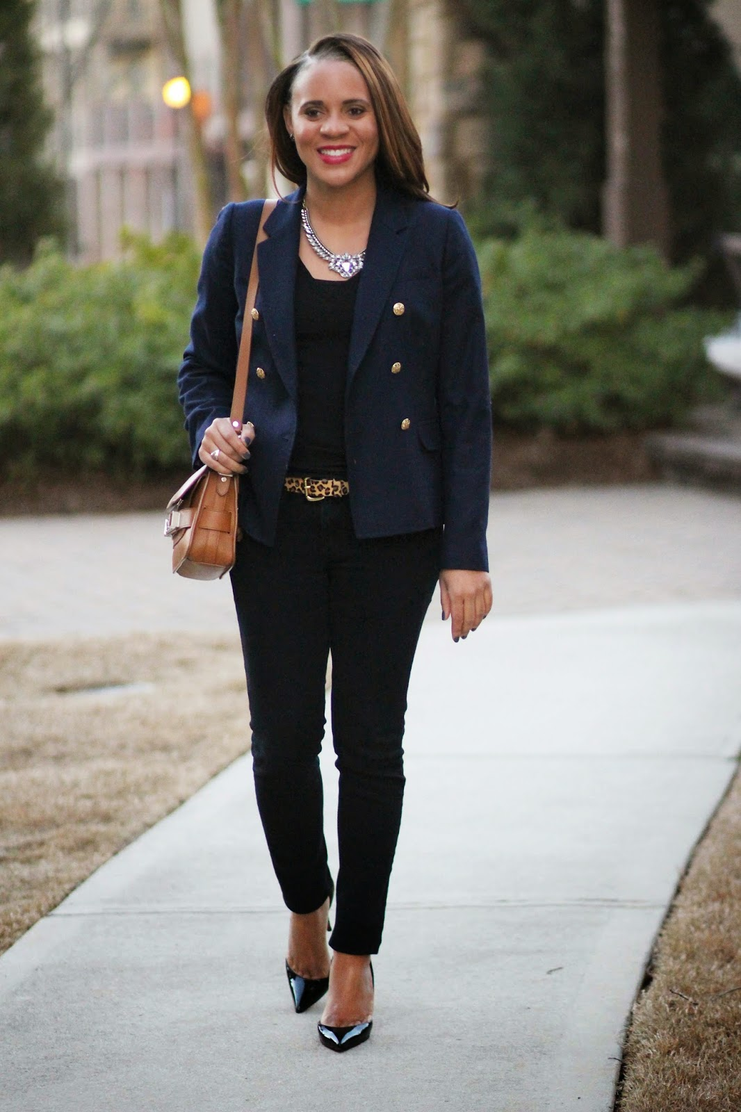 Nicole-to-the-nines-navy-shrunken-blazer