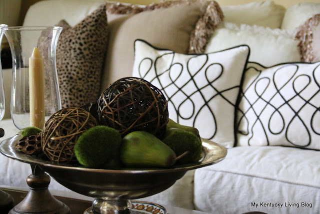 how to use accessories in decorating