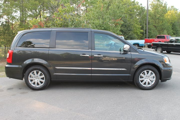 hendrick chrysler jeep the 2012 chrysler town country. Cars Review. Best American Auto & Cars Review