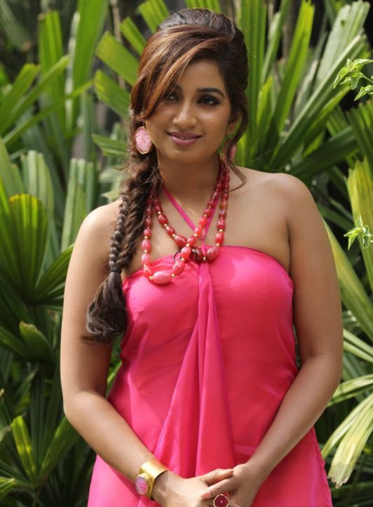 Shreya ghoshal hot and sexy