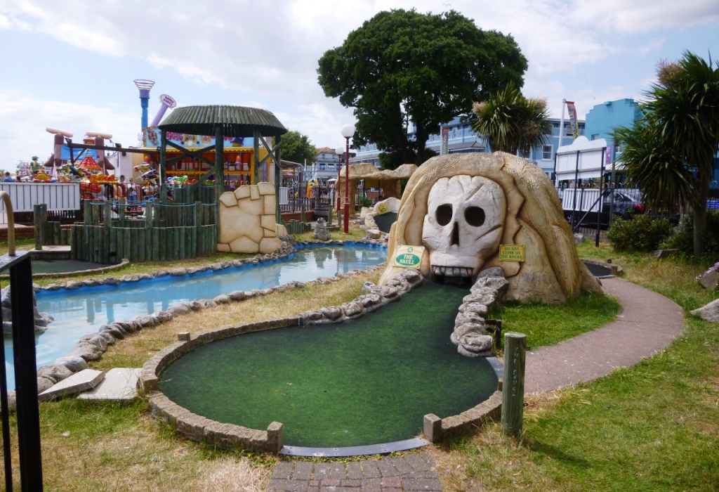 The Ham and Egger Files: Adventure Golf at The Pavilion Fun Park ...