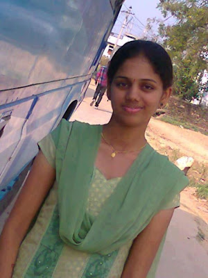 Homely looking girl from Temple city Madurai at software Industry.