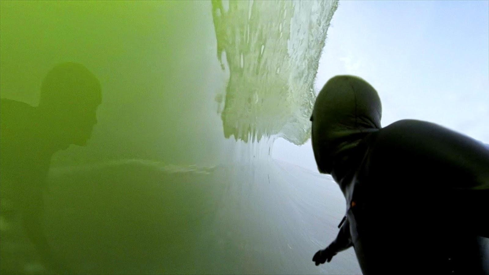 (Video) Sërf në ujin e akullt