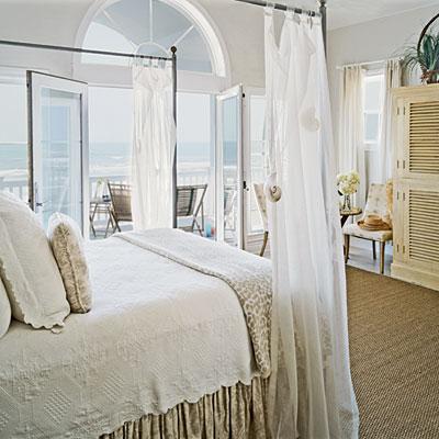 http://4.bp.blogspot.com/-Zztc6_Ef4O0/UV4QVXt_fnI/AAAAAAAAAA8/FSksPq2cQ8k/s1600/beach+bedroom+decor13.jpg