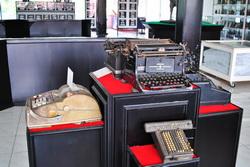 Koleksi Mesin Ketik Kuno di Museum Muri Semarang Indonesia
