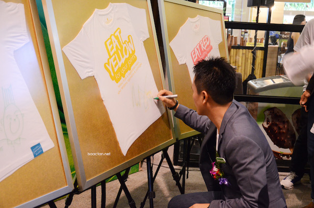 T-shirt signing to commemorate the launch of Meat Free Monday