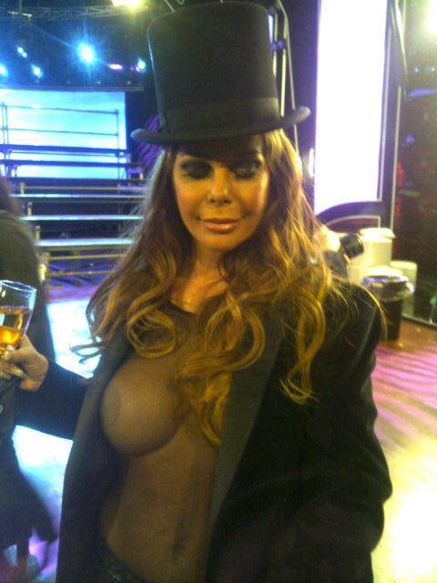 Graciela Alfano Casi Desnuda Para La Producci N De Gente