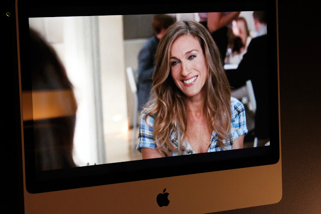 Carrie Bradshaw on an Apple TV
